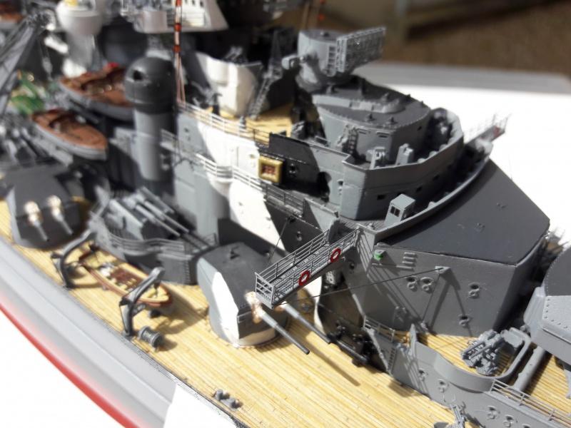 Bismarck 1/350 Revell Premium + PE 42561710