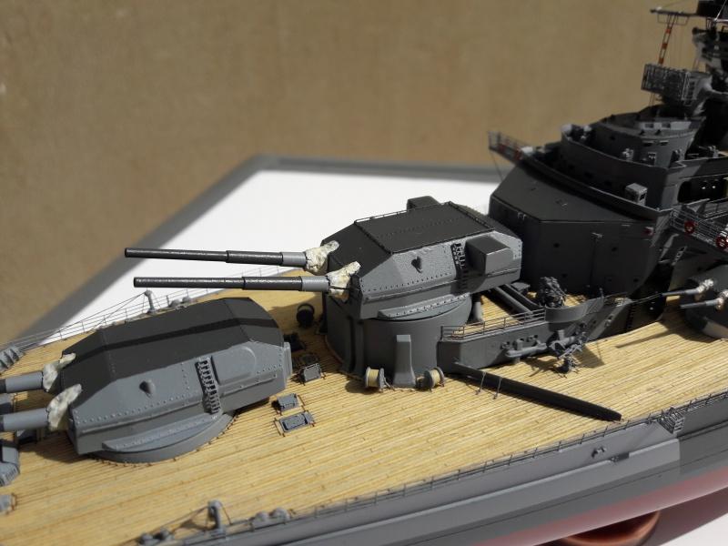 Bismarck 1/350 Revell Premium + PE 74823010