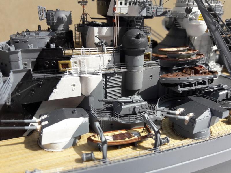 Bismarck 1/350 Revell Premium + PE 82044710