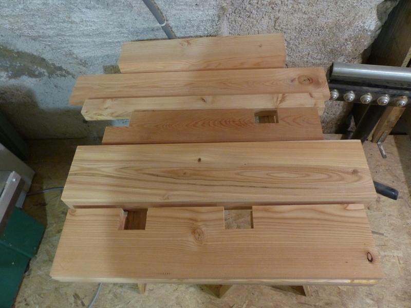 Fabrication d'une scie à ruban en bois (Matthias Wandel) - Page 2 P1040012