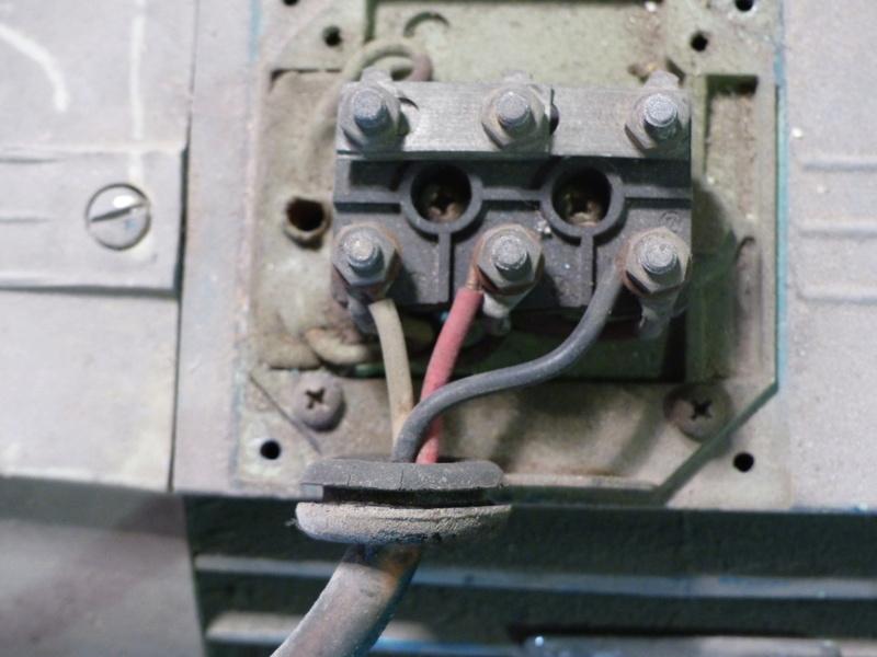 Cablage de moteurs triphasés P1040013