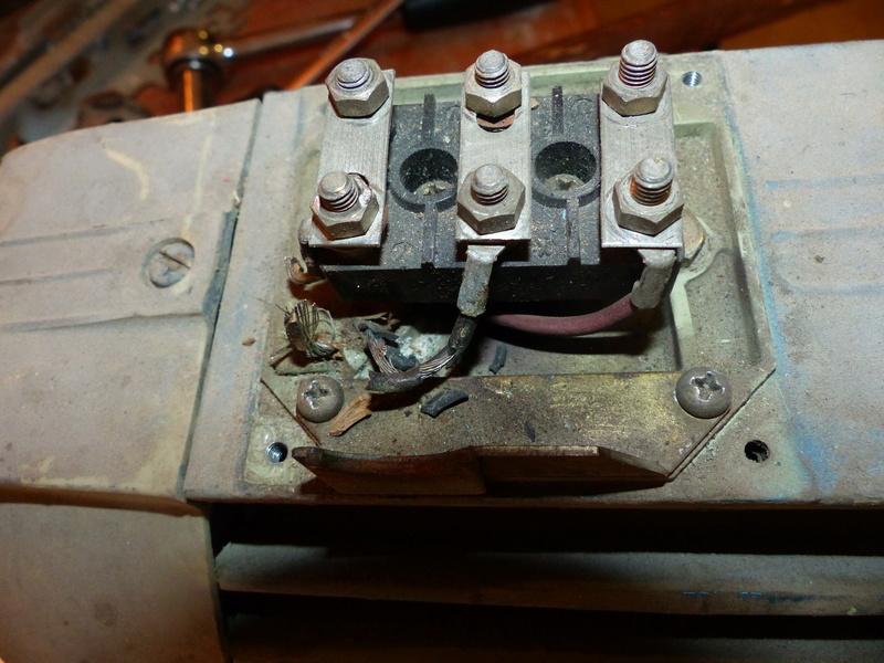 Cablage de moteurs triphasés P1040020