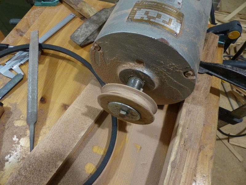 Fabrication d'une scie à ruban en bois (Matthias Wandel) P1040110