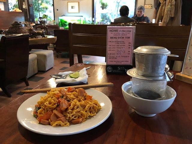 Voyages culinaires et philosophiques (suite) à Da Nang, vietnam - Page 2 26943011