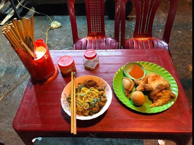 Voyages culinaires et philosophiques (suite) à Da Nang, vietnam - Page 2 A1105