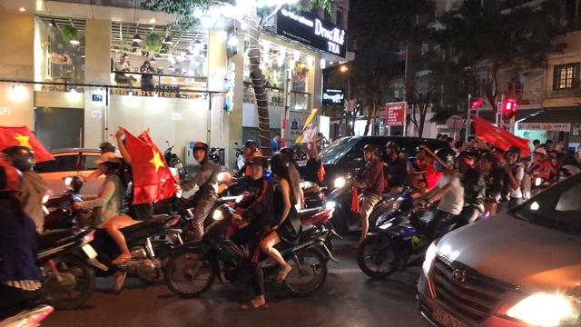 Voyages culinaires et philosophiques (suite) à Da Nang, vietnam - Page 4 A1113