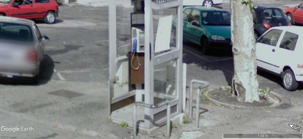 La disparition des cabines téléphoniques - Page 3 A518