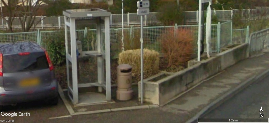 La disparition des cabines téléphoniques - Page 3 A519