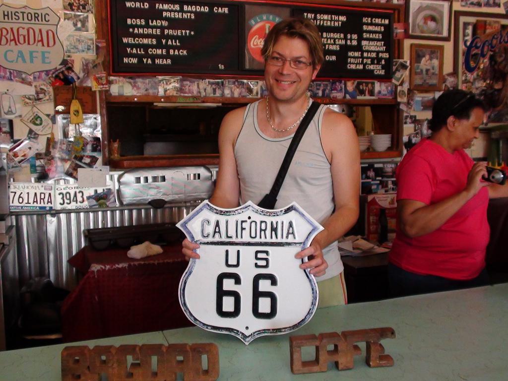 BAGDAD CAFE, Newberry Spring, California , USA Dsc00113