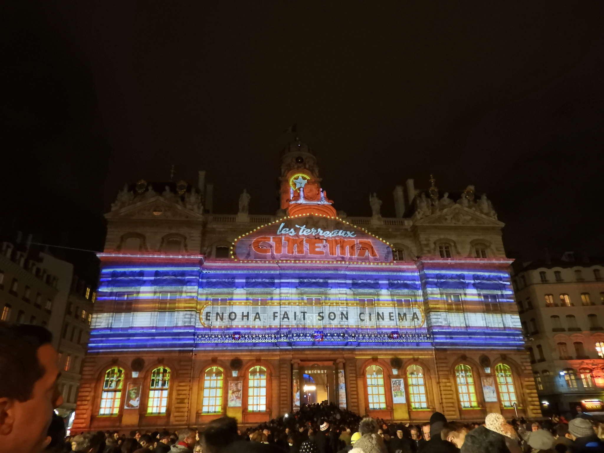 la fête des lumières: un 8 décembre multicolore à LYON  Dscn2218