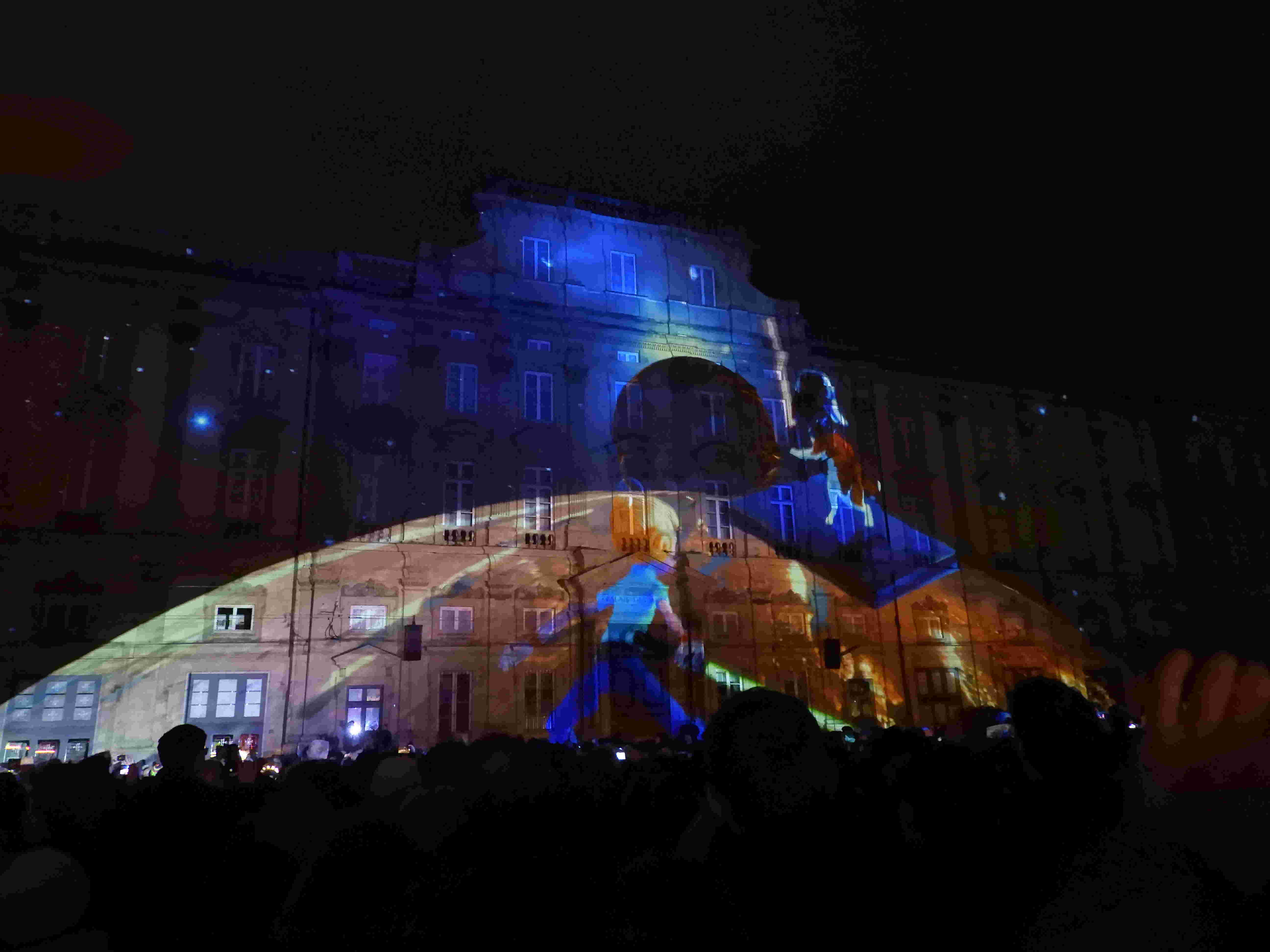 la fête des lumières: un 8 décembre multicolore à LYON  Dscn2314