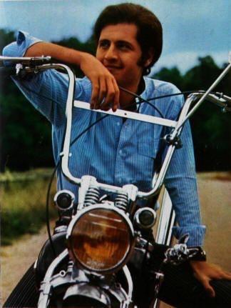 Ils ont posé avec une Harley, principalement les People - Page 37 Imag1328