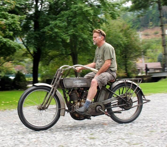 Ils ont posé avec une Harley, principalement les People - Page 38 Imag1390