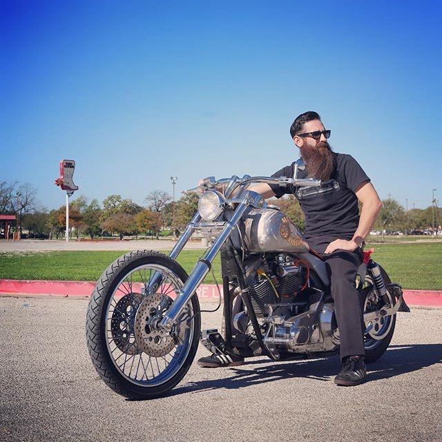 Ils ont posé avec une Harley, principalement les People - Page 38 Imag1417