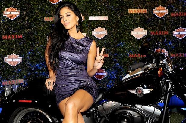 Ils ont posé avec une Harley, principalement les People - Page 39 Imag1430
