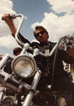 Ils ont posé avec une Harley, principalement les People - Page 39 Imag1454