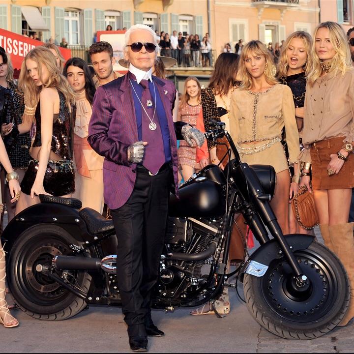 Ils ont posé avec une Harley, uniquement les People - Page 2 Imag1569