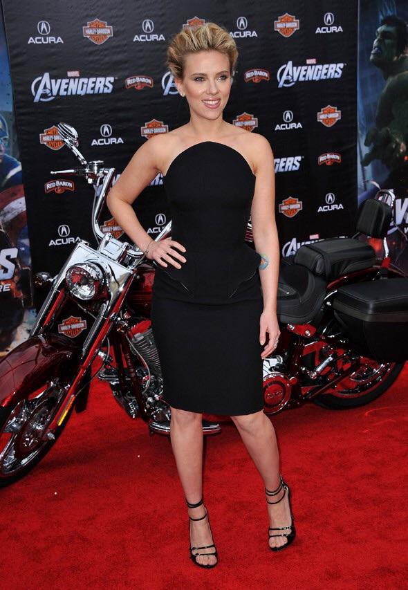 Ils ont posé avec une Harley, uniquement les People - Page 2 Imag1587