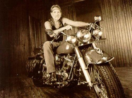 Ils ont posé avec une Harley, uniquement les People - Page 3 Imag1599