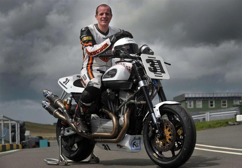 Harley de course - Page 7 Imag2243