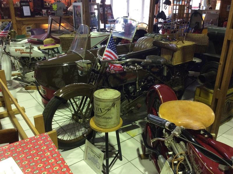 Quelques photos de motos du musée Baster à RIOM Imag5048