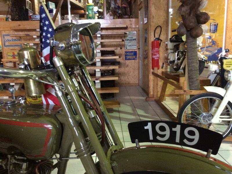 Quelques photos de motos du musée Baster à RIOM Imag5050