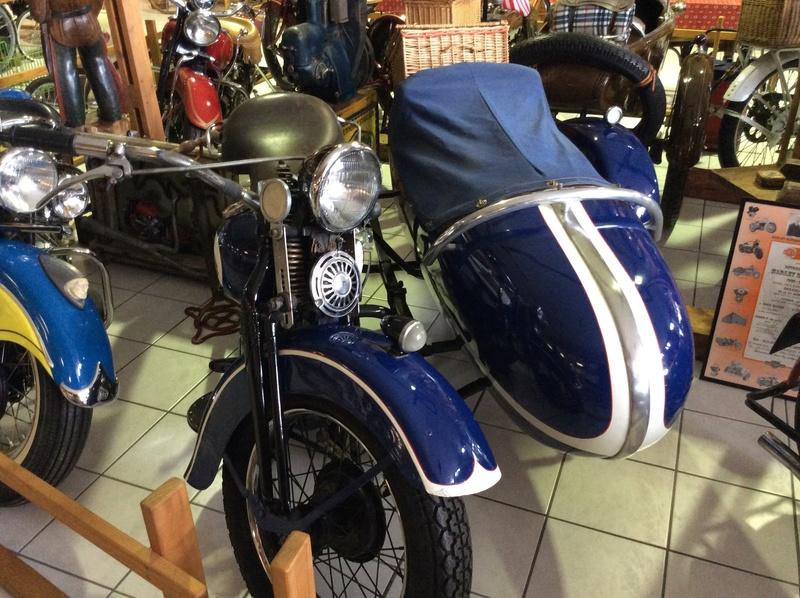Quelques photos de motos du musée Baster à RIOM Imag5053