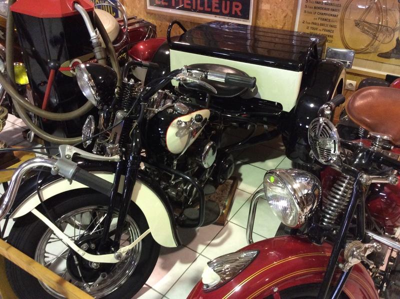 Quelques photos de motos du musée Baster à RIOM Imag5056