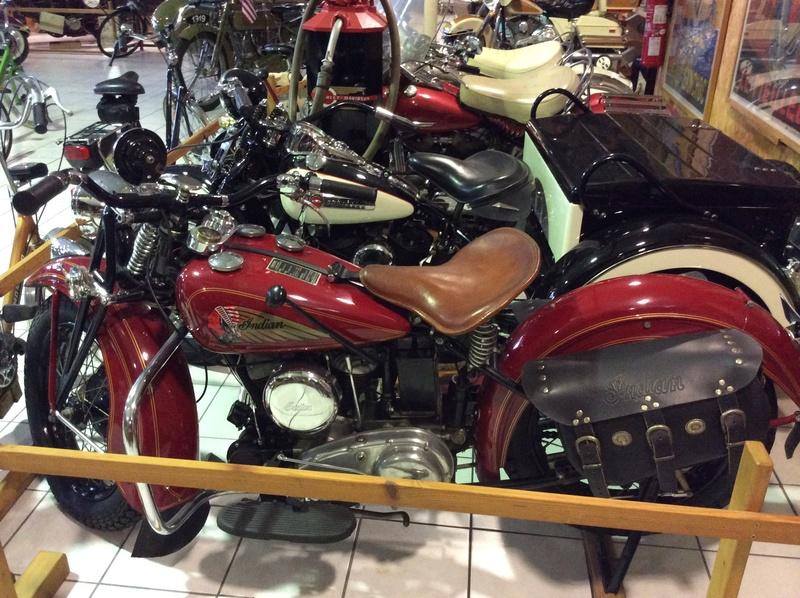 Quelques photos de motos du musée Baster à RIOM - Page 2 Imag5057