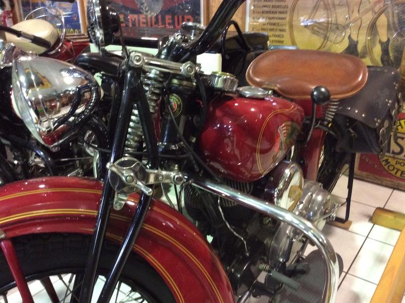 Quelques photos de motos du musée Baster à RIOM - Page 2 Imag5058