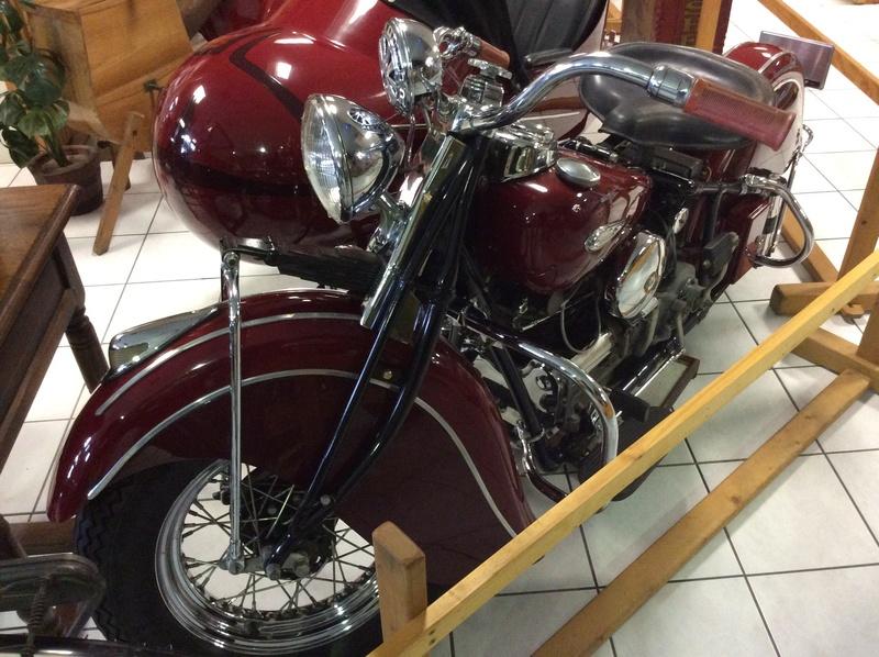 Quelques photos de motos du musée Baster à RIOM - Page 2 Imag5060