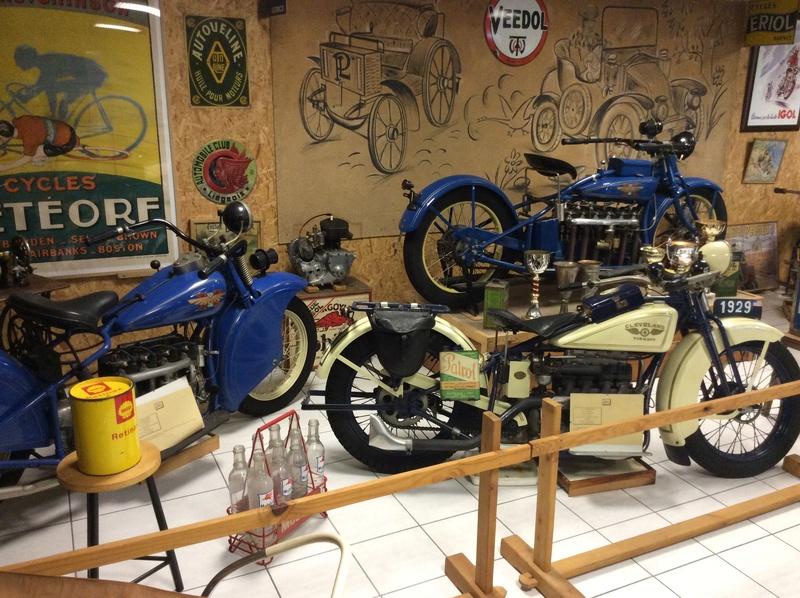 Quelques photos de motos du musée Baster à RIOM - Page 2 Imag5062