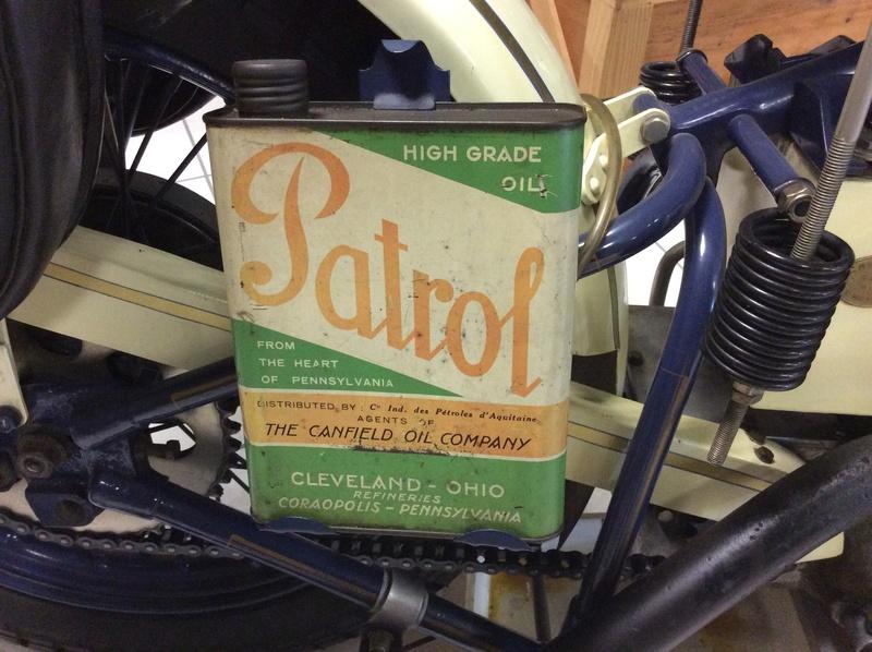 Quelques photos de motos du musée Baster à RIOM - Page 2 Imag5063