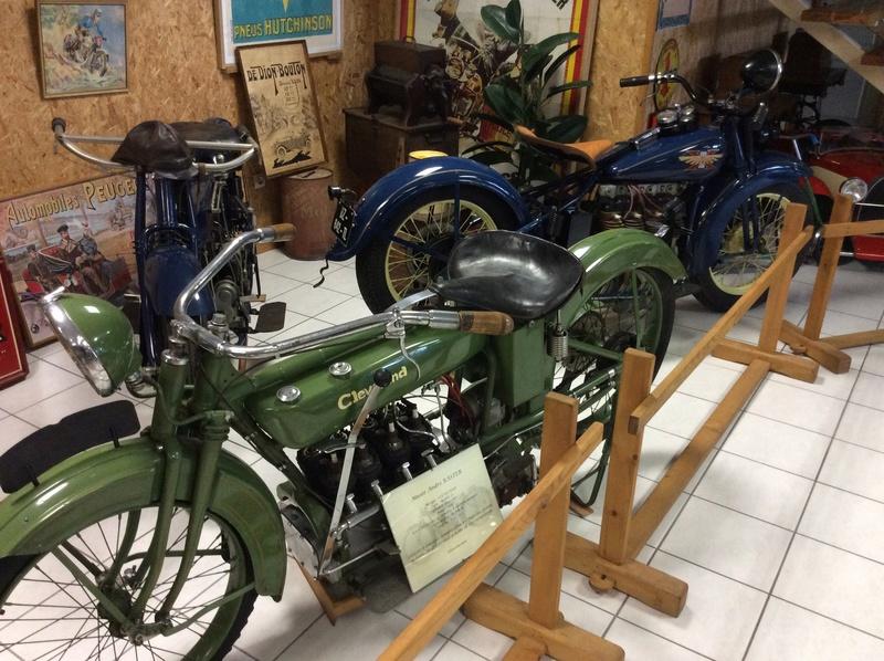 Quelques photos de motos du musée Baster à RIOM - Page 2 Imag5064