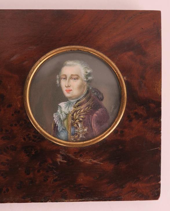 A vendre: miniatures de Marie Antoinette et de ses proches - Page 13 15193113