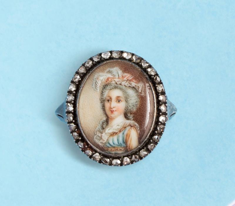 A vendre: miniatures de Marie Antoinette? - Page 6 15272510