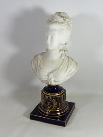 A vendre: bustes Marie Antoinette - Page 7 18560310