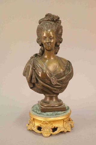 A vendre: bustes Marie Antoinette - Page 7 19474610