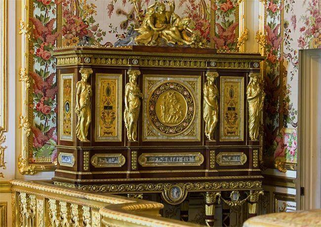 Visite au Musée du Louvre - Page 2 Meuble10