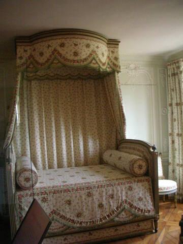 La chambre à coucher de Marie-Antoinette au petit Trianon