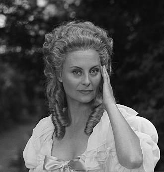 Marie Antoinette avec Michèle Morgan (Delannoy) - Page 10