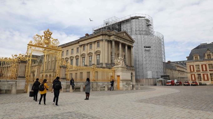 Adoptez une statue de Versailles ! Xvm16110