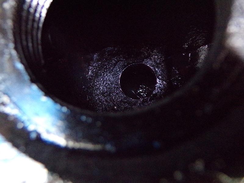 AS-V Élimination du filtre à huile 100_0013