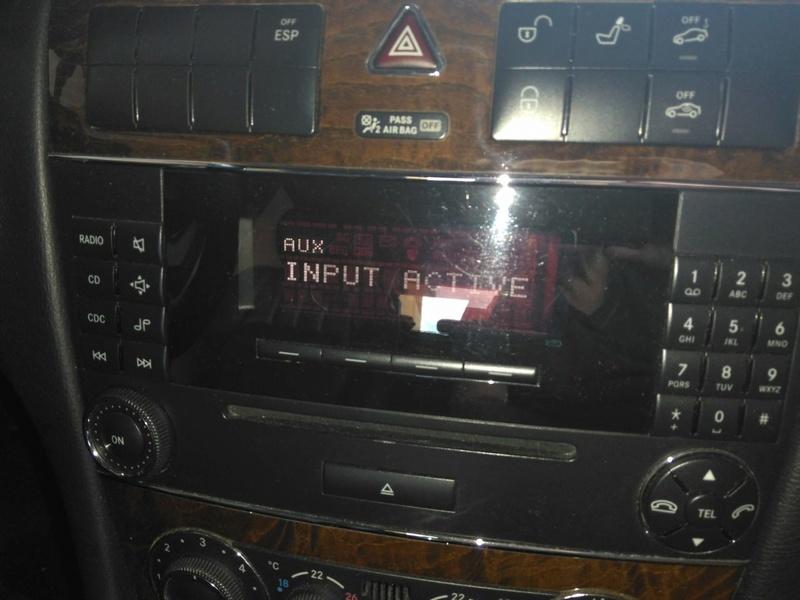 (W203): Conexões da entrada auxiliar do rádio 1310