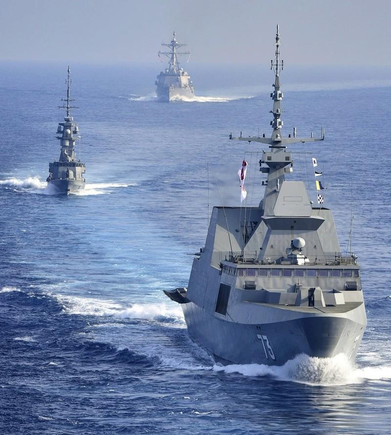Marine singapourienne Destro10