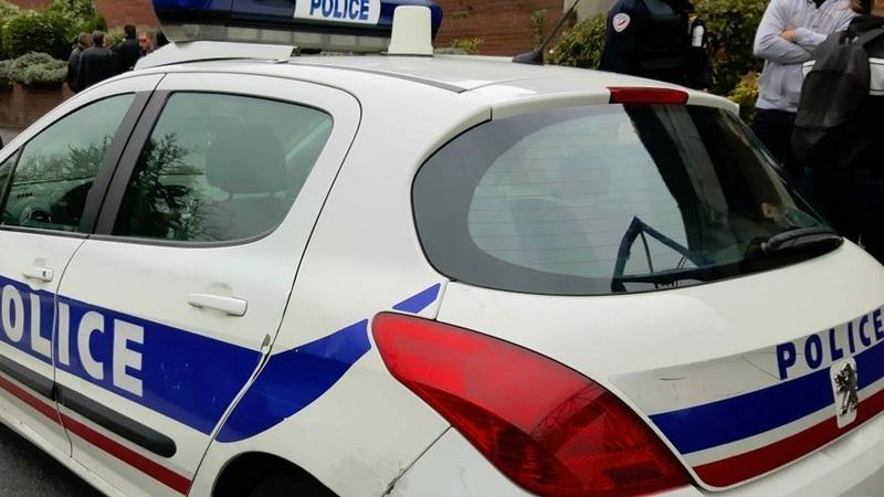 Un homme porte plainte pour « violences à caractère raciste » après une interpellation dans les Yvelines  1-larg10