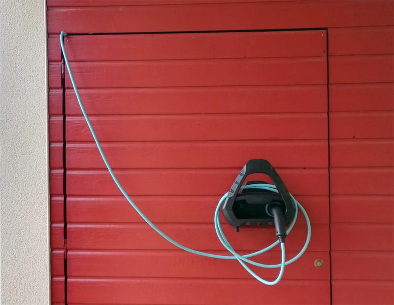 Bon plan : support pour câble  Img_2012