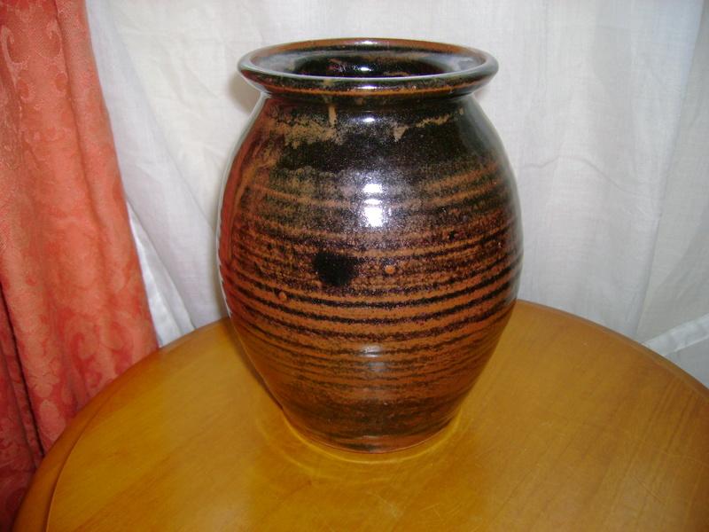 Tenmoku vase, impressed mark AL Dsc05214