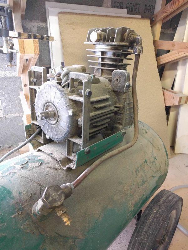 Restauration d'un petit compresseur Img_2010