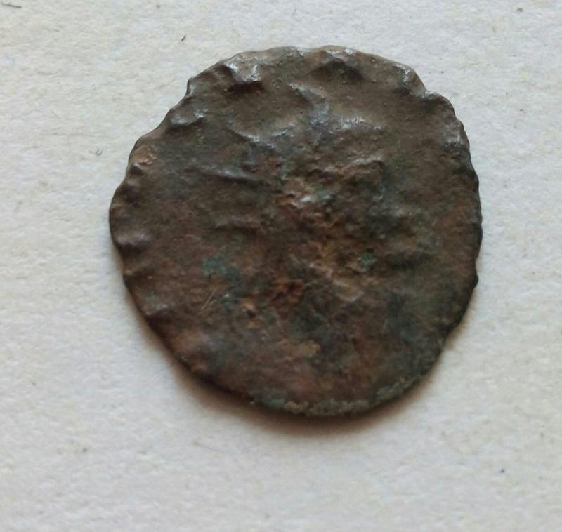 Radiado póstumo de Claudio II. CONSECRATIO. Águila 8dc54210